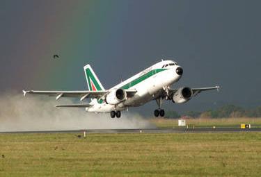 Alitalia_DecolloR375.jpg