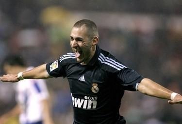 Karim Benzema con la maglia del Real Madrid