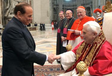 Berlusconi_PapaR375.jpg