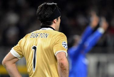 Buffon_sconfitto_R375_10mar09_phixr.jpg