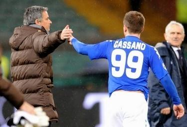 Cassano_Mourinho_R375_5mar09.jpg