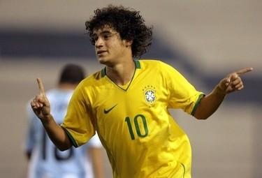 Coutinho qui con la maglia della Nazionale verdeoro (Foto Ansa)