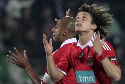 David Luiz con la maglia del Benfica (Foto Ansa)