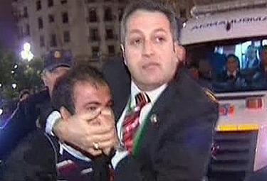 Erdogan_Curdo_ArrestatoR375.jpg