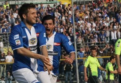 Hetemaj felice dopo un gol (Foto Ansa)