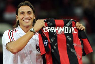 Ibrahimovic_presMil_R375_30ago10.jpg