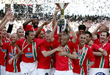 Juventus_scudo06_R375_10mag10.JPG