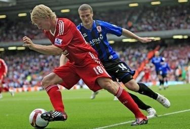 Dirk Kuyt guida l'attacco dei Reds
