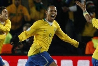 Luis Fabiano con la maglia del Brasile, foto Ansa