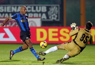 YOUTUBE/ Video fallo di mano di Maicon in Bayern Inter