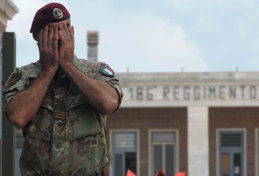 Militare_PiangeR375.jpg