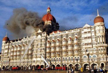 Mumbai_hotel_fiammeR375_27nov08.jpg