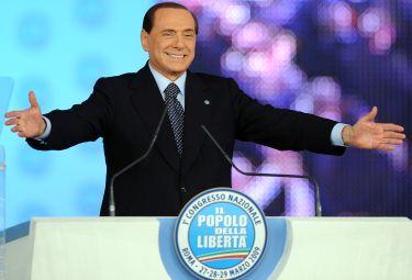 Pdl_Berlusconi_CongressoR375_27mar09.jpg