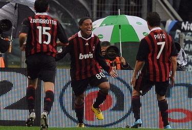 Ronaldinho_R375_8nom09.jpeg