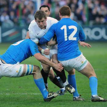 Gli italiani in azione contro l'Inghilterra (Foto: Ansa)