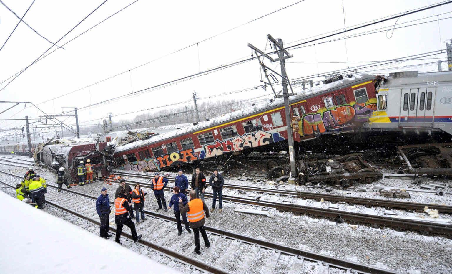 Scontro_treni_Belgio_3.jpg