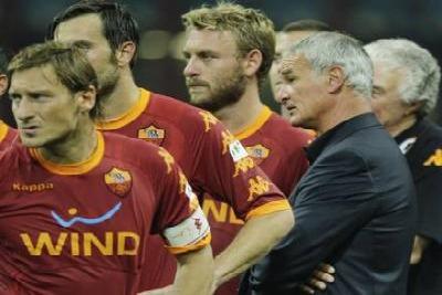 Totti_derossi_ranieri_R400_ott2010.jpg