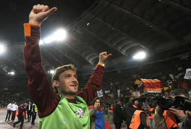 Totti_polliceverso_R375_19apr10.JPG