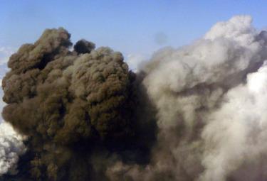 Vulcano in azione (Foto Ansa)
