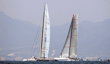 alinghi_oracle_R375x255_12feb10.jpg