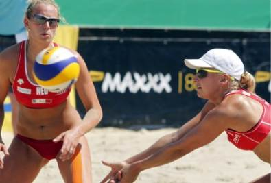 Beach volley in immagine di repertorio (Foto Ansa)