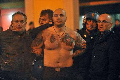 Ecco il volto del capo ultras serbo (Foto Ansa)