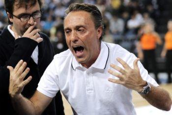 Bucchi allenatore dell'Olimpia (Foto Ansa)