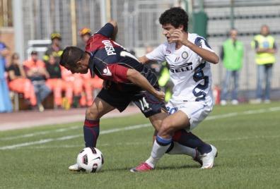 Coutinho in azione oggi a Cagliari (Foto Ansa)