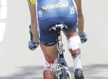 Hoogerland dopo la caduta (Foto Ansa)