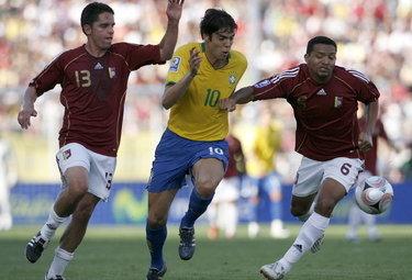 Kakà con la maglia del Brasile, foto Ansa