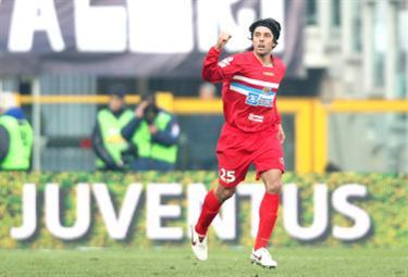 Nella foto Martinez, passato dal Catania alla Juventus