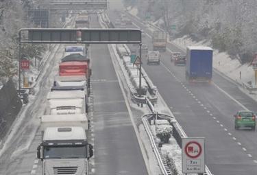 venerdì 17 dicembre 2010, neve sull'A1