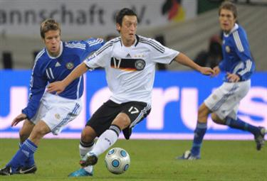 ozil_germania-R375x255_22giu.jpg