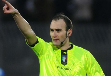 arbitro (foto Ansa)