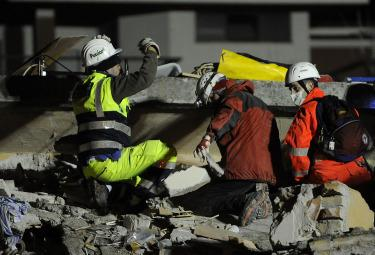 terremoto_protezione-civileR375_6apr09.jpg