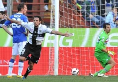 Zaccardo felice dopo un gol (Foto Ansa)
