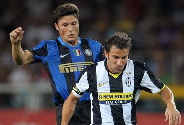 Zanetti con Del Piero: i due uomini simbolo (Foto Ansa)
