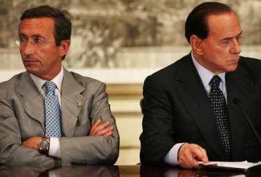 Berlusconi_Fini_DivisiR375.jpg
