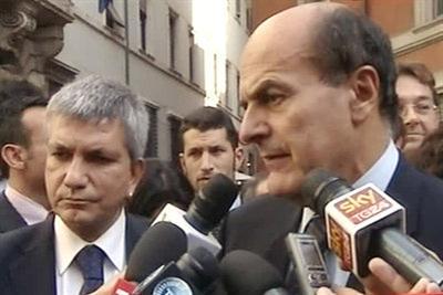 Pierluigi Bersani e Nichi Vendola (Ansa)