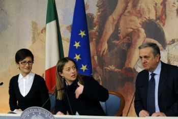 I ministri Gelmini, Meloni e Sacconi nella conferenza stampa di ieri (Foto Ansa)