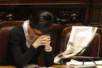 Il ministro Gelmini ieri alla Camera (Ansa)