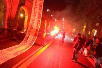 Studenti protestano contro la riforma Gelmini (Ansa)