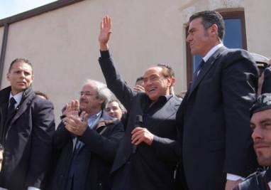 Il discorso di Silvio Berlusconi a Lampedusa (Ansa)