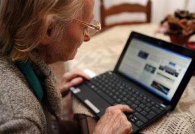 Le nuove ricerche rischiano di far diventare il pc, così come lo conosciamo adesso, uno strumento obsoleto (Foto Ansa)