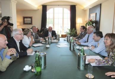 Il tavolo tra le Parti sociali (Foto Ansa)