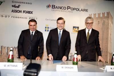 Mario Draghi con Giuseppe Attanà e Mario Noera (Foto Ansa)