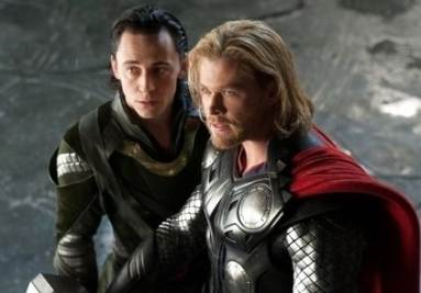 Chris Hemsworth (a destra, foto Ansa)
