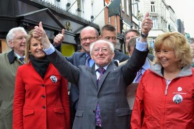Il nuovo presidente irlandese Michael D Higgins (Foto Ansa)