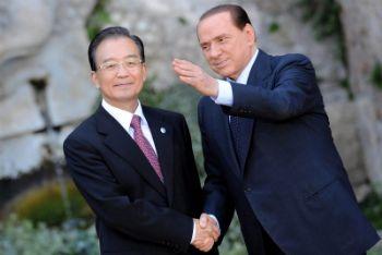 Wen Jiabao e Silvio Berlusconi (Foto Ansa)