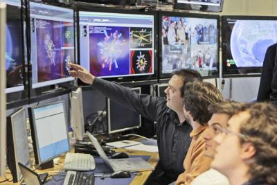 La sala controllo dell'acceleratore Lhc di Ginevra (Foto Ansa)